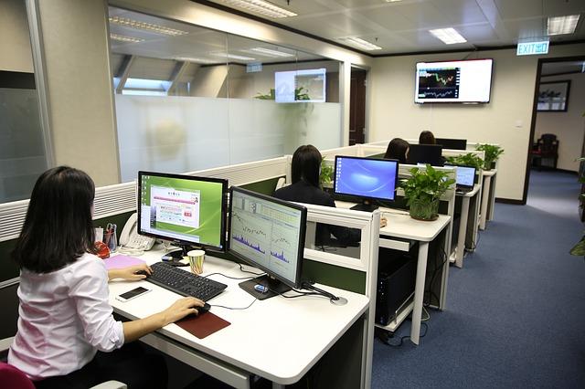 business-people-1572059_640.jpg